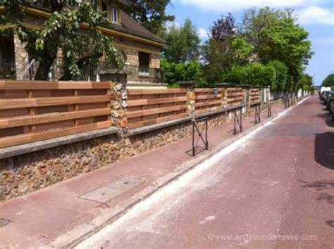 Portail bois coulissant motorisu00e9 brise-vue red-cu00e9dar clu00f4ture design