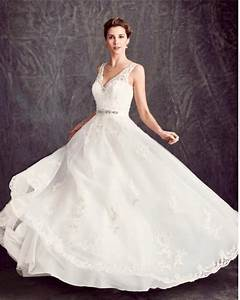 how to avoid a wedding dress shopping nightmare the With shopping for wedding dresses