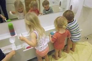 Wasserspiele Für Kinder : kinderkrippe harlaching wasserspiele mit krippenkindern ~ Yasmunasinghe.com Haus und Dekorationen