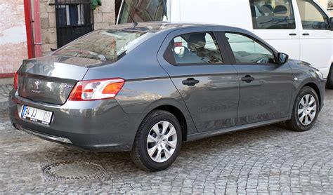 2013 Peugeot 301 Saloon (tr).jpg