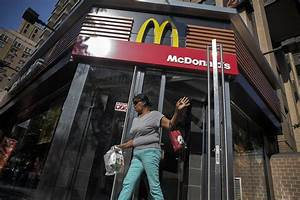 McDonald's Expects Further Challenges - WSJ