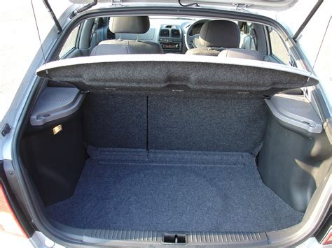 Hyundai Accent Trunk Space by Hyundai Accent Hatchback 2000 2005 Features Equipment
