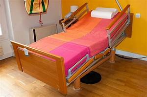 Lit Médicalisé À Domicile : lit m dicalis lectrique la maison bleue 41 ~ Melissatoandfro.com Idées de Décoration