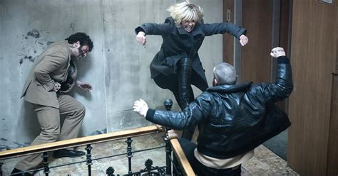 atomic blonde action scenes movies ass director kick