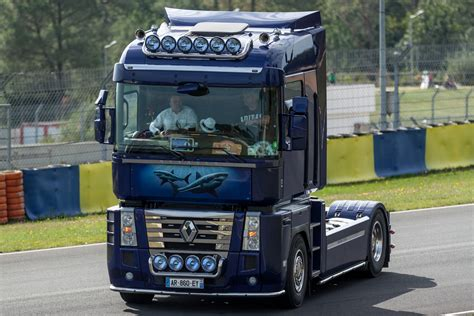 Renault Truck by Renault Truck Pictures Free High Resolution