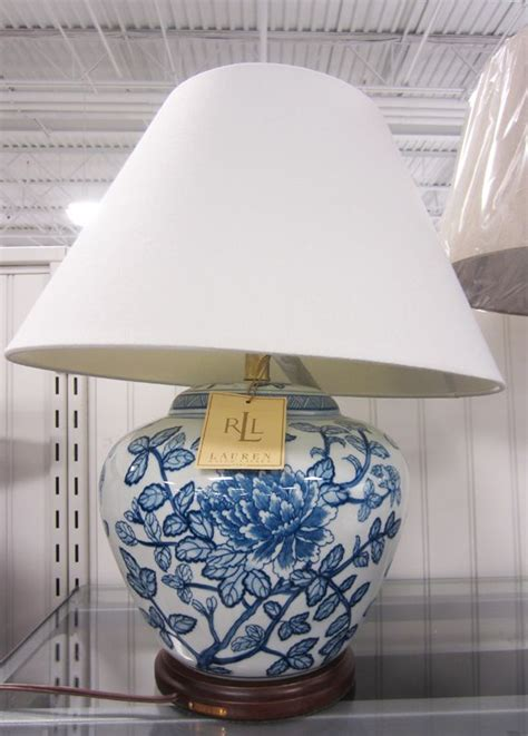apartmentf ralph lauren bluewhite asian style lamps