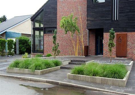 Vorgartengestaltung Mit Gräsern by Vorgartengestaltung Mit Gr 228 Sern Bambus Und S 228 Ulenf 246 Rmigen