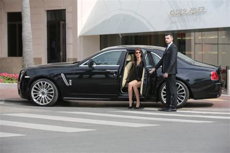 Aaa Luxury Limousine Service  Hire Luxury Cars With