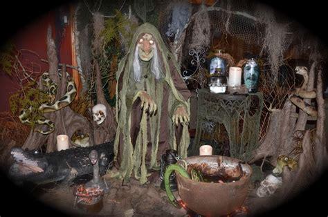 photo credit tina doucet grandin road spooky decor