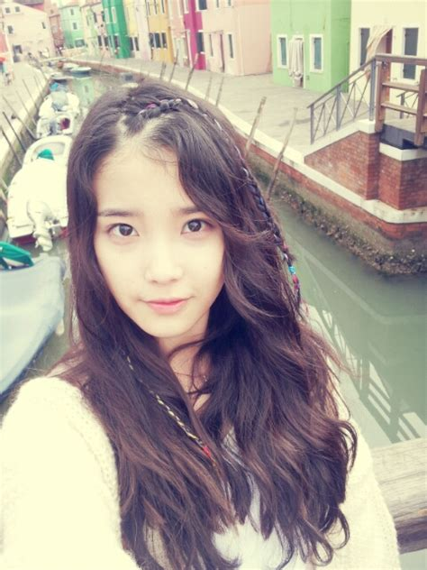 picture iu shares  photo  venice daily  pop news