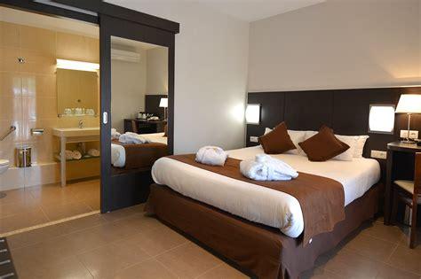 les chambres de chambre de luxe à macinaggio dans le cap corse hôtel u