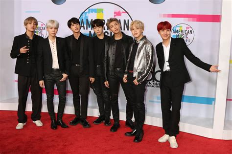 korean band bts performs on 2017 american music awards and