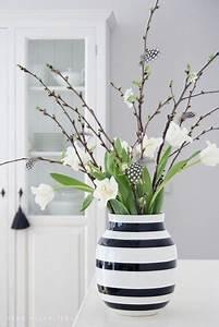 Kleine Weiße Vasen : die besten 25 deko vasen ideen auf pinterest do it ~ Michelbontemps.com Haus und Dekorationen