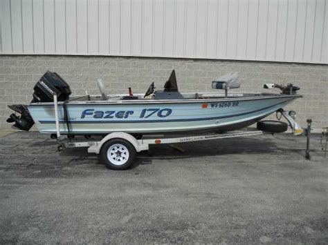 Used Boat Motors For Sale In Wisconsin by Smoker Craft New And Used Boats For Sale In Wisconsin