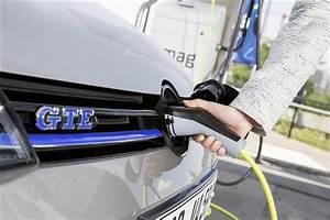 Batterie Voiture Hybride : volkswagen golf gte comment recharger sa batterie actualit s volkswagen voiture et ~ Medecine-chirurgie-esthetiques.com Avis de Voitures