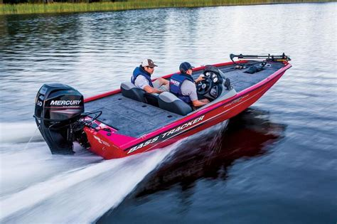Bass Pro Shop Buys Legend Boats by Tracker Boats Bass Panfish Boats 2014 Pro Team 175