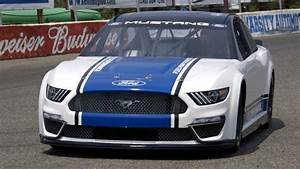2019 Ford NASCAR Mustang - YouTube