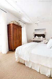28 carpet flooring ideas with pros and cons digsdigs for Sisal carpet bedroom