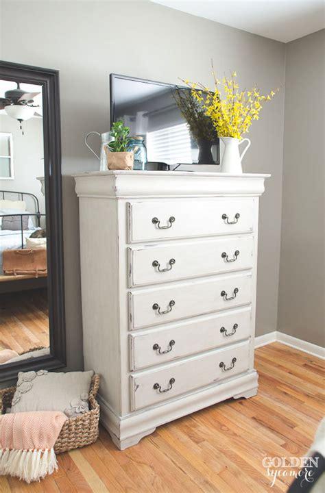 painting shelves  bookshelf southern hospitality