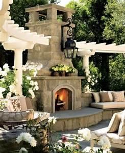 den balkon mit naturstein gestalten coole vorschlage With französischer balkon mit garten sitzecke