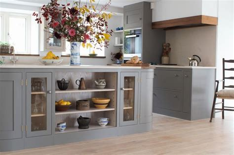 how to install backsplash in kitchen 34 best range hoods images on range hoods 8683