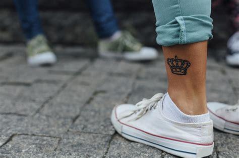 tatouage pour rappeler aux femmes quelles sont des