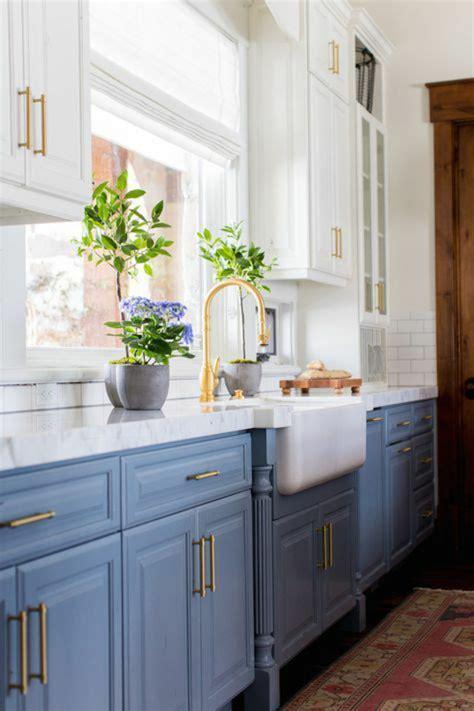 cuisine gris bleu beautiful meubles cuisine bleu gris photos seiunkel us