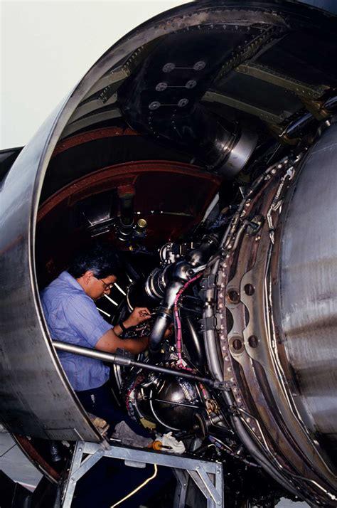 sky   limit  aviation maintenance career success