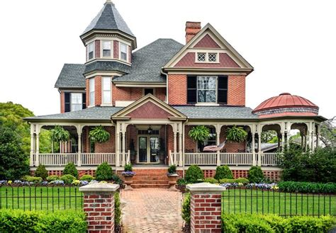 A Complete Guide To Victorian Home Styles, Features & Plans