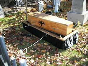 Pics For > Casket In The Ground