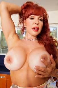 Mature Redhead Vanessa Bella Serve Something Juicy MILF Fox