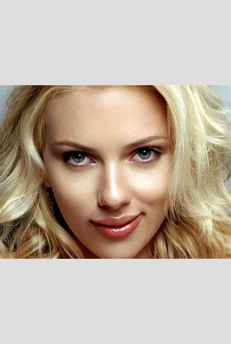 32 Sexy Scarlett Johansson Wallpapers