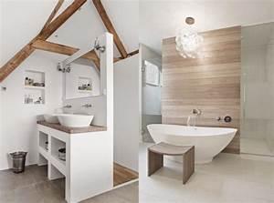 Salle De Bain En Bois : une salle de bains en blanc et bois joli place ~ Teatrodelosmanantiales.com Idées de Décoration