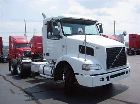 volvo truck 2004 volvo hoods