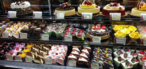 85c Bakery Taiwan by 85 176 C Bakery Cafe Serves Up Delicious Breads And Cakes At
