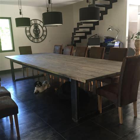 table de salle a manger de style industriel acier et bois