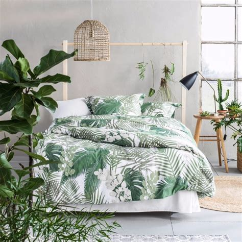 Tropical Bedroom Decor by Summer Trends 2017 Bedroom Inspiration With Tropical Design