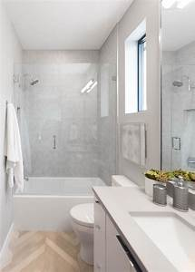 Light, And, Bright, Transitional, Bathroom, With, Glass, Enclosed