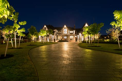 landscape lighting   vancouver property