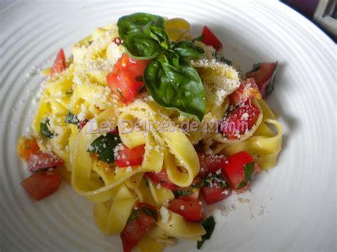 tagliatelles aux tomates crues ail et basilic les
