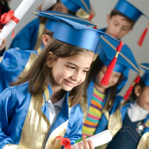 why we should still celebrate kindergarten graduation 463 | 1iStock 000009205503Small