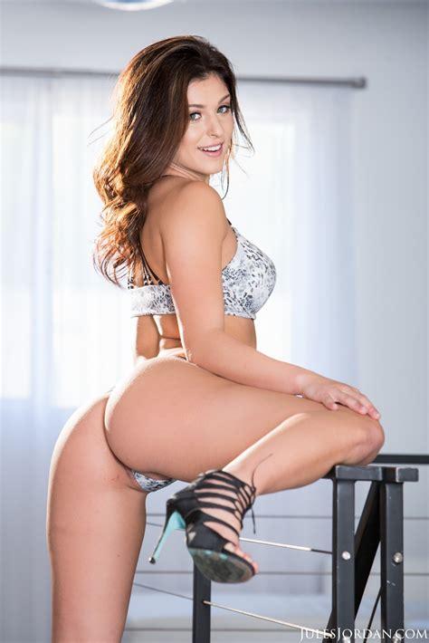 Leah Gotti Hot Brunette Posing in Sexy Lingerie - PornHugo.Com