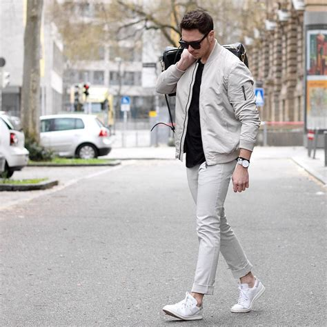 How Wear White Sneakers For Men Amazing Outfit