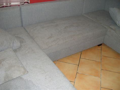 nettoyer canape en tissu coudec
