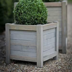 Blumenkübel Holz Selber Bauen : pflanzk bel aus holz f r eine rustikale gestaltung ~ Sanjose-hotels-ca.com Haus und Dekorationen