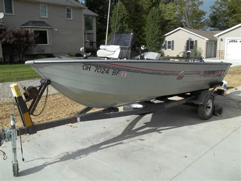 Boat Locker Carpet by Lowe 1620 Aluminum 16 V Ohio Fishing Your
