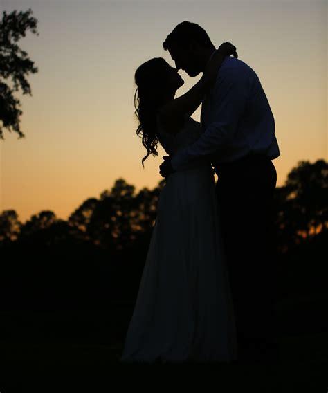 gorgeous wedding photo  sunset wedding photography