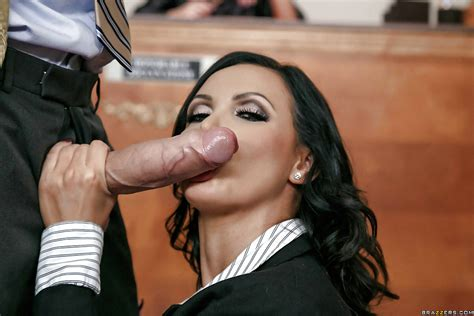 Busty Milf Nikki Benz Giving And Receiving Oral Sex In