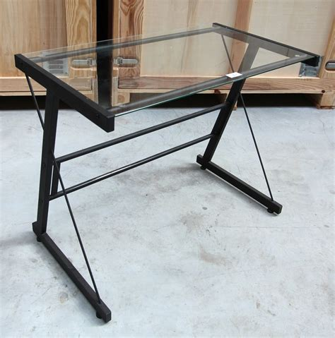 bureau en verre a vendre petit bureau en acier laque noir et plateau en verre
