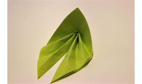 Besteck In Servietten Einwickeln besteck in serviette besteck in serviette immagini e fotografie